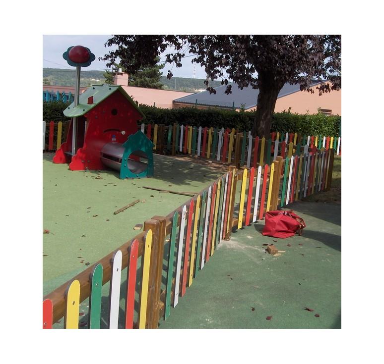 cl ture d 39 aire de jeux en compact barri re pour aire de jeux multicolore net collectivit s. Black Bedroom Furniture Sets. Home Design Ideas