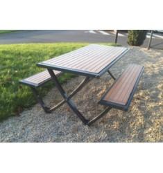Table pique-nique extérieure en compact