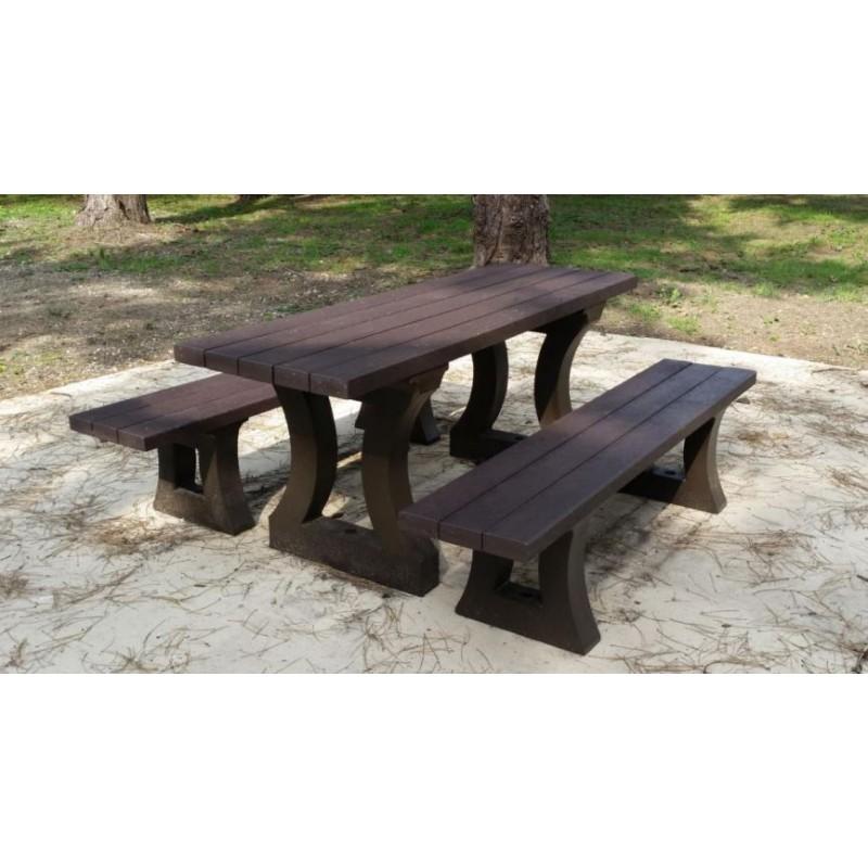 table pique nique california table en plastique recycl mobilier urbain. Black Bedroom Furniture Sets. Home Design Ideas