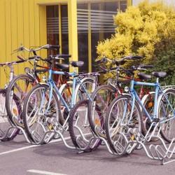 Râtelier en acier pour 9 vélos sur 2 niveaux