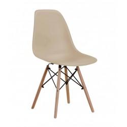 Chaise couleur café en polypro et bois de hêtre