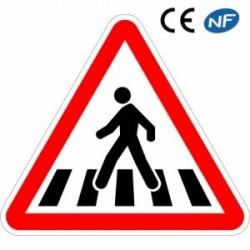 Panneau de route VIGILANCE ATTENTION PASSAGE POUR PIÉTON (A13b)