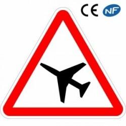 Panneau routier DANGER Traversée d'une zone de danger aérien (A23)