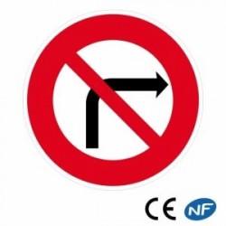 Panneau de route pour collectivité, interdiction de tourner à droite.