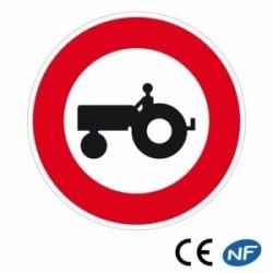 Panneau de police interdisant le passage des véhicules agricoles B9b