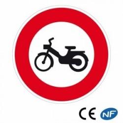 Panneau de signalisation accès interdit aux cyclomoteurs