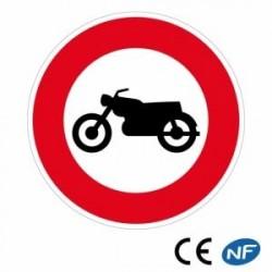 Panneau de signalisation indiquant un accès interdit aux motocyclettes