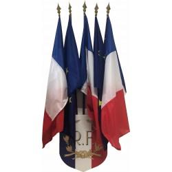 LOT 3 drapeaux France et 2 CEE avec leur écusson porte 5 drapeaux