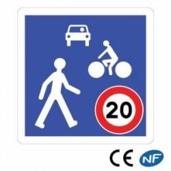 Panneau de signalisation indiquant une zone de rencontre (B52)