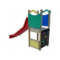 Un toboggan avec accès par mur d'escalade pour les petits de 2 à 6 ans
