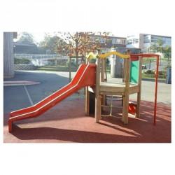 Structure en bois et fibre de verre toboggan et ses 3 autres jeux