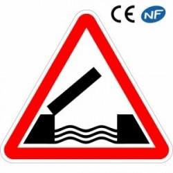 Panneau routier en aluminium indiquant un pont mobile (A6)
