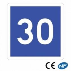 Panneau de route annonçant une vitesse conseillée C4a