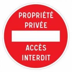 Panneau designalisation indiquant une propriété privée avec accès interdit