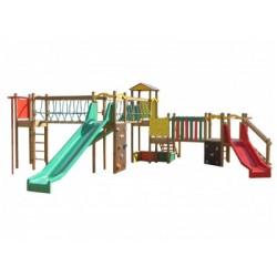 Une structure géante multi jeux en bois pour les enfants de 3 à 12 ans