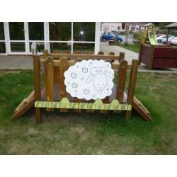Petit pont en bois pour aider dans l'apprentissage de la motricité des tout petits